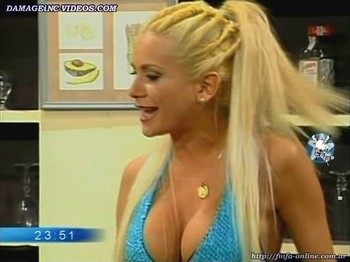 Paula Volpe busty blonde cleavage