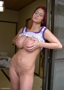 http://img162.imagetwist.com/th/14583/vztpojy45xuc.jpg