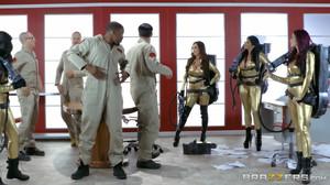 Ana Foxxx, Monique Alexander, Nikki Benz, Romi Rain  - Ghostbusters XXX Parody sc4, HD, 720p
