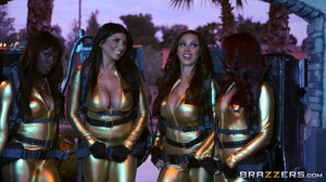 Ana Foxxx, Monique Alexander, Nikki Benz, Romi Rain - Ghostbusters XXX Parody sc2, HD, 720p