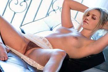 Yvonne Strahovski topless spread legs UHQ