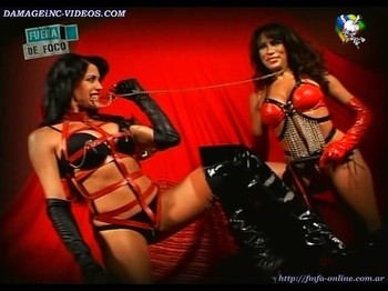 Marixa Balli and Pamela David hot backstage in erotic lingerie