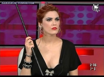 Viviana Canosa hot cleavage on live TV