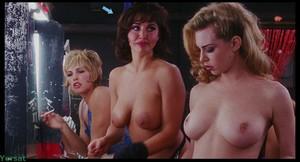 Rena Riffel - Showgirls (1995)  A2naajsadr4q