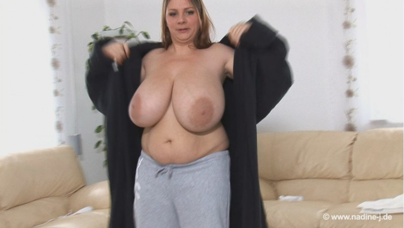 Nadine Jansen – Gigantic Breasts Wii Sports