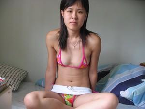 http://img162.imagetwist.com/th/15675/awid2o2tzira.jpg