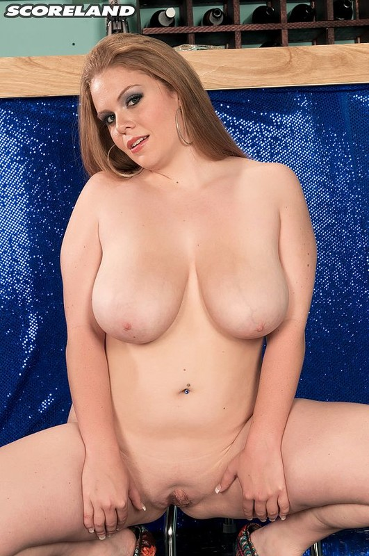 ScoreLand.com – Jessica Taylor – Last Call For Boobs 22-year-old redhead