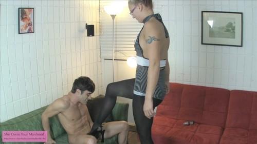 JC Ballbusting Handjob onto Pantyhose