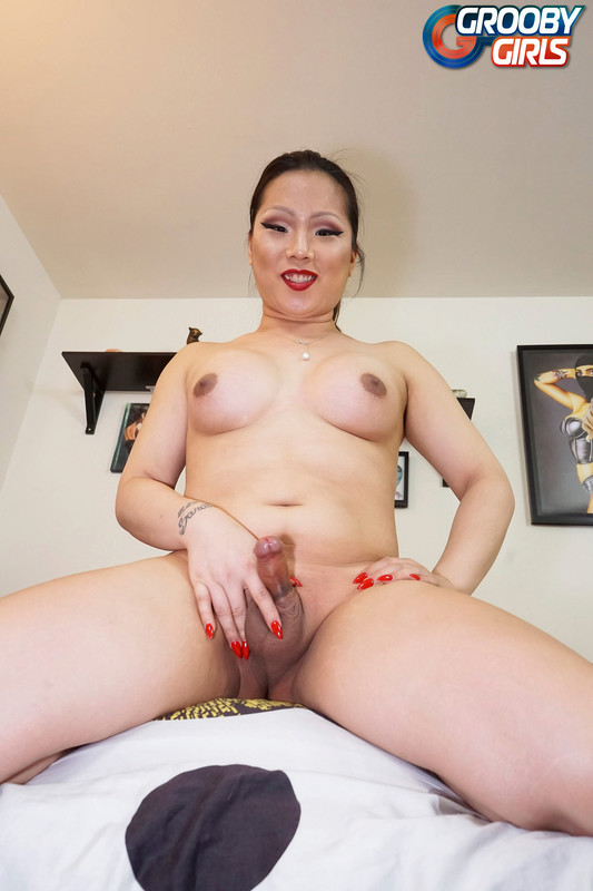 Chloe Gold Cums! (3 May 2018)