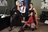 Jenna-Presley-%26-Jessica-Jaymes-%26-Julia-Ann-%26-Kirsten-Price-Office-4-Play-IV-%28p-c6s51x4six.jpg