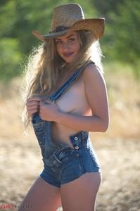 Holly-Jade-Cowgirl--d6qtkd1kcg.jpg