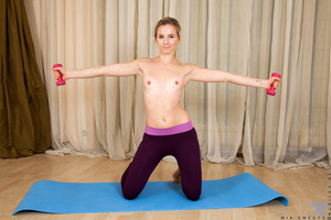 Mia Sweets - Workout Session  36qkgbfqw4.jpg