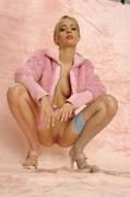 Adrienn Levai - Velure  25uw51uweg.jpg
