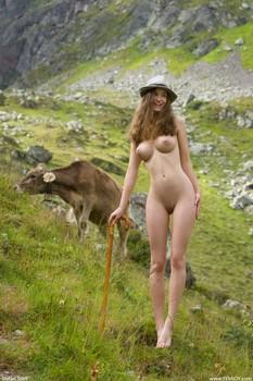 Susann-Cowgirl--f6rbtdkdxs.jpg