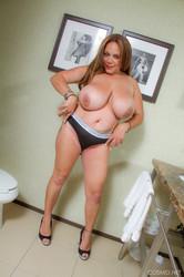 Christina Valentina - In The Bathroom