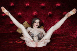 Emily Bloom - Aseri