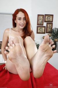 Luna Lain - Footfetish - Set 353637