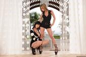 Lexxxi Nicole & Rachel Roxxx - Lexxxis Wet Pussy (posing)