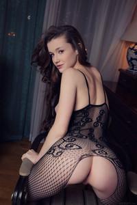 Emily-Bloom-Dunesa-36tw3wai3u.jpg