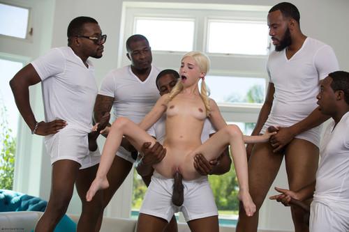половой куча негров с одной женщиной его свои ротики
