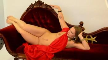 Naked Glamour Model Sensation  Nude Video R1o3oe1qebnh