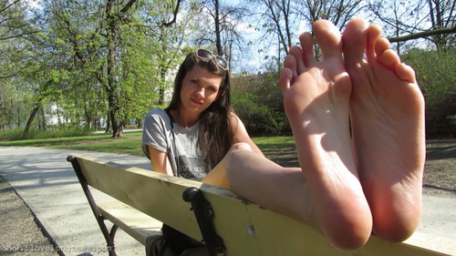 Hania in the park 2