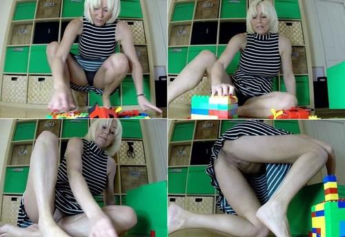 Jan Burton - Mummy builds bricks for Son  -  (2016)