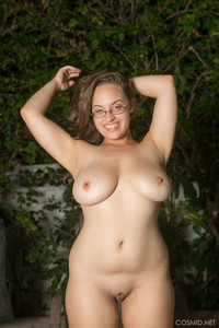 Sophie-Barnes-Sophie-Barnes-Bikini--u6v21dr5rh.jpg