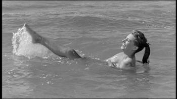 Sophia Loren / Peccato che sia una canaglia / nipple / (IT 1954) Alx108m98s76