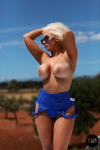Lucy James - Very Busty Lucy James g6vvkc871j.jpg