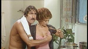 Gloria Guida / Rossana Podesta / Il gatto mammone / topless / (IT 1975) Gbdhhywjrvwf