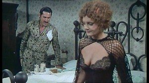Gloria Guida / Rossana Podesta / Il gatto mammone / topless / (IT 1975) Vv7l3vwhm7hh