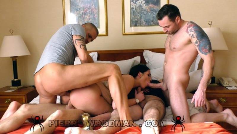 [WoodmanCastingX.com] Loren Minardi - Hard - In bed with 4 men